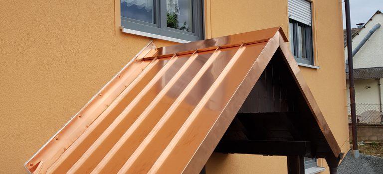 Vordach aus Kupfer