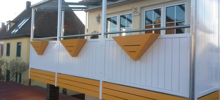 Balkone und Balkongeländer